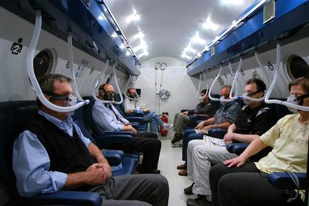 Ambulante hyperbare Sauerstofftherapie in der Therapie-Druckkammer des Druckkammerzentrums Freiburg