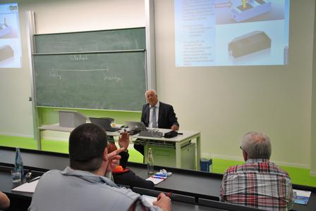 Der Vortrag Fahrerassistenzsystem als DUALSYSTEM von Waldemar Marinitsch fand regen Anklang