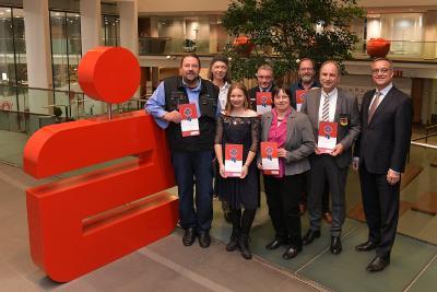 10.000 Euro für das Ehrenamt - Sparkasse Bremen zeichnet sieben Preisträger mit dem Bremer Bürgerpreis aus