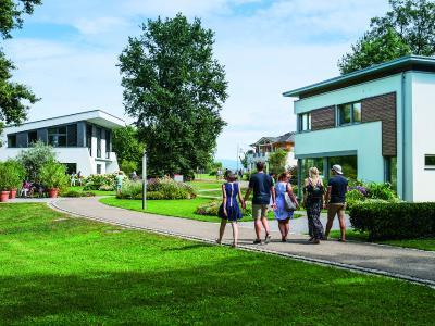 Die unterschiedlichen Musterhäuser im Erlenpark der World of Living waren Anziehungspunkt für über 2.500 Sommerfest-Gäste