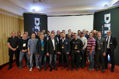 Driver-Netzwerkpartner aus dem freien Reifenfachhandel beim Jahrestreffen in Mailand