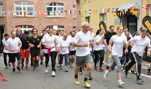 Zahlreiche Mitarbeiterinnen und Mitarbeiter von Pirelli Deutschland liefen beim Pirelli Nations Run für einen guten Zweck
