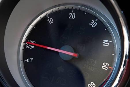 Erweitertes Angebot: Das Start/Stop System ist jetzt in vielen Opel Modellen vom Agila bis zum Insignia verfügbar