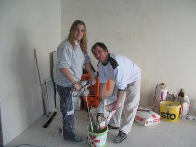 Mareike Lach und Malermeister Dieterle