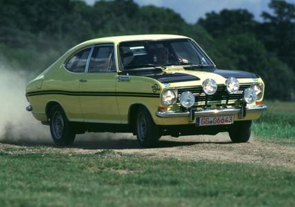 Jubilar: 50 Jahre Opel Kadett B. Opel ist mit drei verschieden Varianten des erfolgreichen Kompaktmodells aus den 1960er-Jahren bei der ADAC Opel Classic Hessen-Thüringen 2015 am Start. Hier die Rallyeversion des Schweden Anders Kulläng