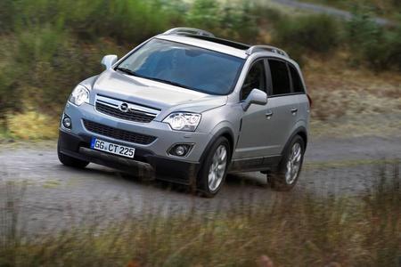Mit akzentuiertem Außendesign, neuen Motoren, neu abgestimmtem Fahrwerk und einem überarbeiteten Innenraum verbindet der Opel Antara zum Modelljahr 2011 sportives Offroader-Flair mit hohem Nutzwert und urbanem Schick