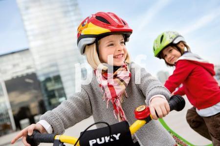Das Fahrrad ist die erste Maschine, die ein Kind zu beherrschen lernt. Entsprechend groß ist der Stolz kleiner Radler, wenn sie den Dreh raus haben  (Quelle/Source: ´www.puky.de | pd-f´
