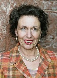 Deutschlandweit als Referentin gefragt: Angelika Gräfin Wolffskeel von Reichenberg ist anerkannte Schüßlersalze-Expertin.