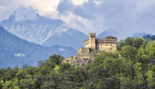 I tre castelli medievali di Bellinzona. Copyright Bellinzona Turismo   Foto Silvano Crivelli
