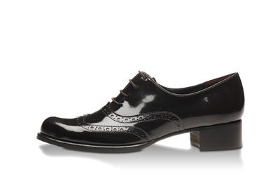 evita shoes im winter gl nzend aufgestellt und auch zu rauem bereit evitalys gmbh. Black Bedroom Furniture Sets. Home Design Ideas