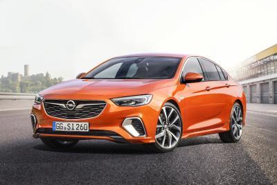 Sport-Feeling vom Feinsten: Der neue Opel Insignia GSi Grand Sport hat alles, was eine echte Fahrmaschine braucht – und ist ab sofort bestellbar