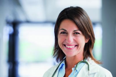 Ärzte profitieren von der neuen DMRZ.de Fallakte. Foto: shutterstock/ESB Professional