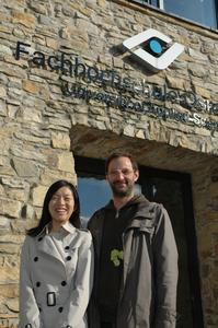 Zhong Zhen und Prof. Thomas Hofmann (re.)