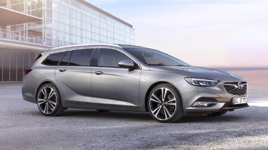 Verkaufsstart für den neuen Opel Insignia / Richtig geräumig: Der Kombi Insignia Sports Tourer ist bereits ab 26.940 Euro zu haben
