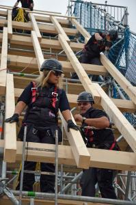 Sportlich, schwindelfrei und teamfähig sollten die angehenden Dachdeckerinnen und Dachdecker sein.