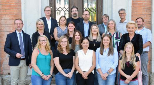 Fachlicher Austausch in Rosenheim: Bildungsdezernent Mischak und Fachleute aus dem Vogelsbergkreis besuchten das Jugendamt der Stadt Rosenheim. Foto: Stefan Trux