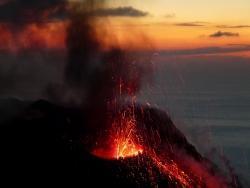 Ein Geheimtipp für Wanderfreude mediterraner Insel-Landschaften und Vulkanfreunde (Fotografen :Timm Küster)