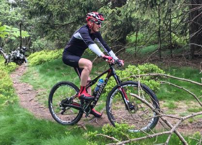 Fahrradfan: Opel-Chef Dr. Karl-Thomas Neumann tritt gerne in die Pedale – wie hier bei einer Fahrt auf den Feldberg im Taunus