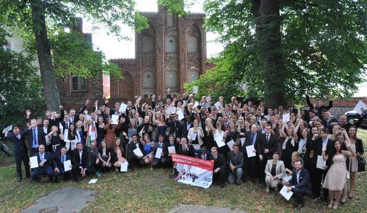 FH Lübeck verabschiedete über 360 Absolventinnen und Absolventen (Foto: Pressestelle FH Lübeck)