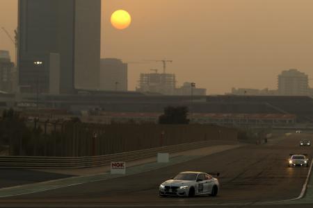 BMW M4 GT4, 24h Dubai, 2017