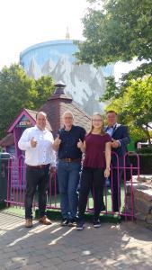 Katharina Holderberg begleitet die Ome Joop´s Tour 2019  (Von links: Leon Westerhof (Messe Kalkar), Peter Holderberg (Stadt Kalkar) , Katharina Holderberg (Universität Köln), Han Groot Obbink (Wunderland Kalkar/Messe Kalkar))