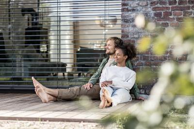 Wohnkomfort steigern mit gutem Gewissen: heizen, kühlen, lüften und Warmwasser bereiten mit umweltfreundlicher Haustechnik von Stiebel Eltron