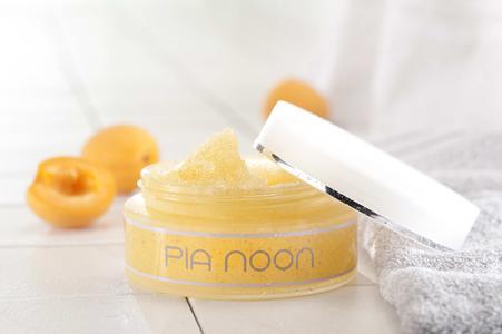 PIA NOON Antiox Bodyscrub mit Sheabutter und pflengeden Ölen