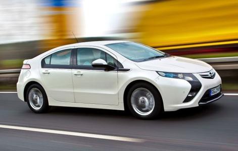 Opel Ampera: Der deutsche Hersteller bietet bereits ein voll alltagstaugliches, viersitziges Elektroauto ohne Reichweiteneinschränkung an