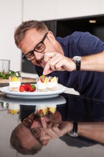 Aus zahlreichen Koch-Formaten im deutschsprachigen Raum bekannt: Andreas C. Studer
