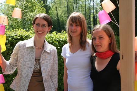 Gräfin Bernadotte mit Carolin Siegloch und Veronika Tschersich