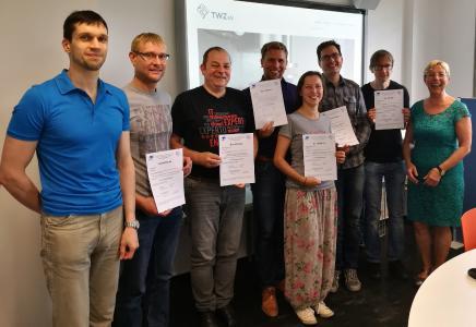 Die Teilnehmer gemeinsam mit Forschungsprofessorin Dr. Margit Scholl (r.) und Wirtschaftsinformatiker Jens-Peter Ehrlich (l.) / Quelle: TH Wildau / WILLE