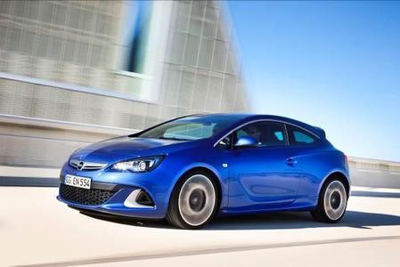 Das kompakte Sportcoupé Astra OPC ist mit 206 kW/280 PS der stärkste je gebaute Astra und bietet den Kunden ein besonders dynamisches Fahrerlebnis sowie jede Menge Leidenschaft