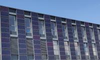 Solartechnik als Fassadenbekleidung: So wird die Gebäudehülle optimiert und als Energielieferant genutzt.