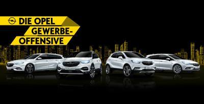 Clever kalkulieren: Ab sofort profitieren Selbstständige genauso wie kleine und mittlere Betriebe von günstigen Kick-Start-Raten inklusive Wechselbonus, wenn sie auf Opel Astra, Grandland X, Mokka X und Insignia umsteigen