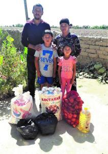 Familien von Gehörlosen in Usbekistan erhalten dringend benötigte Nahrungsmittel.