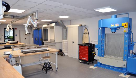 Kurz vor Semesterbeginn wurde das Labor für Faserverbundwerkstoffe an der Hochschule Osnabrück eröffnet. (Foto: Hochschule Osnabrück)