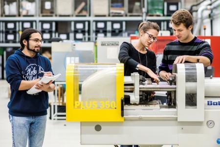 Zum 19. Mal lädt der Laborbereich Kunststofftechnik an der Hochschule Osnabrück Fachleute aus Wirtschaft und Wissenschaft zum Austausch über aktuelle Entwicklungen der Kunststoffbranche ein. (Foto: Hochschule Osnabrück)