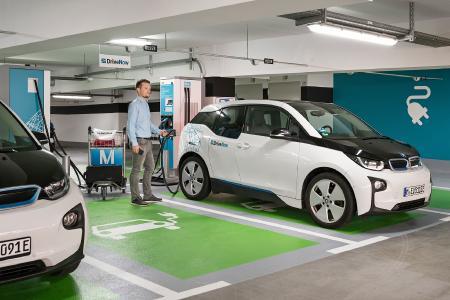 Turbo-Service am Airport: Deutschlands größter Schnellladestandort für Elektro-Autos, Foto: Yorck Dertinger