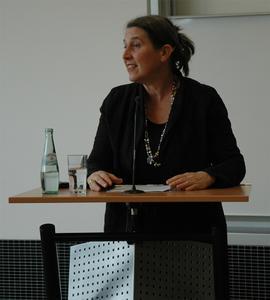 Um die Herausforderungen des Hebammenberufs zu meistern, ist eine Akademisierung notwendig - Davon ist Dr. Eva Cignacco überzeugt