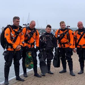 Das Team der ehrenamtlichen Ghost Fishing Taucher auf Rügen