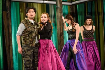 links nach rechts: Cheng Li (Tamino), Julia Gromball, Elisabetha Kapanadze und Katerina Špaňárová  (Drei Damen). Foto: Maik Schuck