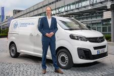 Opel Vivaro-e HYDROGEN: Plug-In Fuel Cell Electric Vehicle Offers Zero Emissions and Quick Refuelling