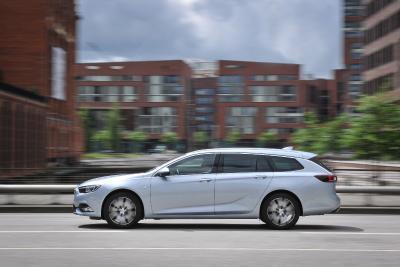 Attraktives Gesamtpaket: Der Opel Insignia Sports Tourer bietet elegantes Design, hohen Komfort, einen geräumigen Innen- und Laderaum – und ist überaus wirtschaftlich im Betrieb