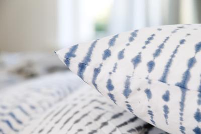im schlaf vom urlaub tr umen linenproject pressemitteilung. Black Bedroom Furniture Sets. Home Design Ideas