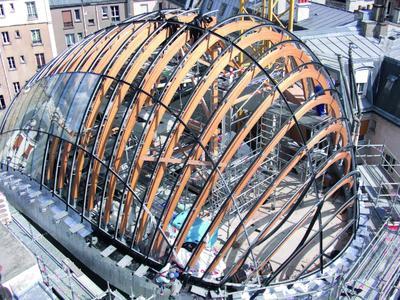 Gewölbter Kuppelbau in Paris: Brixener Unternehmen fertigen anspruchsvolle Dachkonstruktion (Foto: FRENER & REIFER Fassaden)