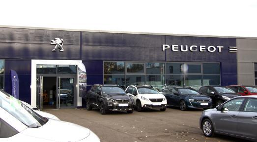 Die PEUGEOT Händler haben höchste Sicherheitsmaßnahmen für alle Mitarbeitenden sowie Kundinnen und Kunden getroffen