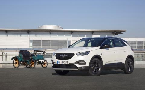 Opel Grandland X und Opel Patentmotorwagen System Lutzmann