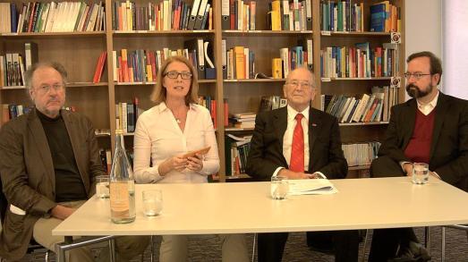 Prof. Dr. Jürgen Wertheimer (Univ. Tübingen) Ursula Maria Lang M.A., Mit-Initiatorin der St. Leonhards-Akademie, Prof. h c, Dipl.-Ing. Karl Schlecht (Karl Schlecht Stiftung), Dr. Bernd Villhauer (Weltethos-Institut)