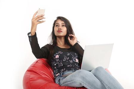 Fotoshooting für Mädchen: Wie kann ich toll aussehen, ohne zu viel von mir preiszugeben?, Symbolfoto: F1Digitals/Pixabay