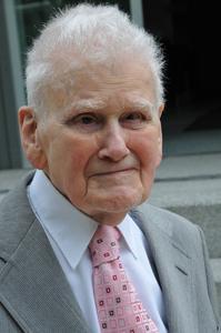 Dr. Hans-Eugen Schulze